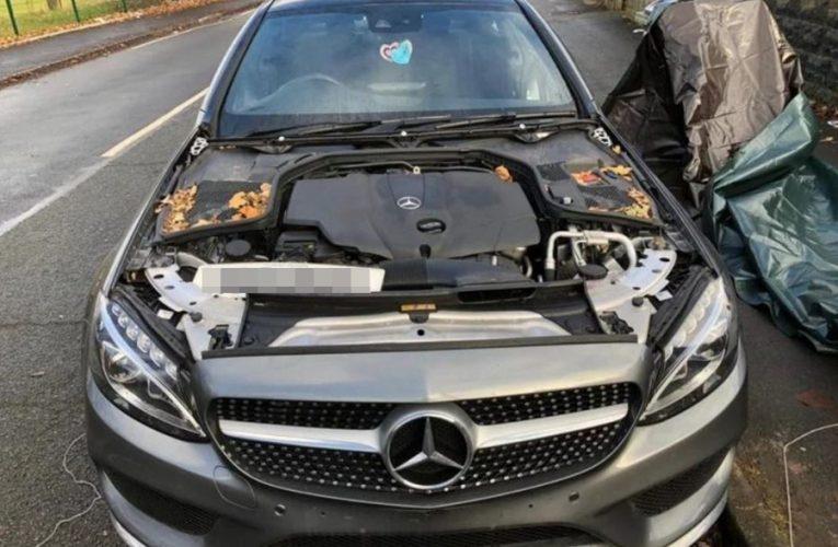 Pencuri Di UK Selamba Tanggalkan Badan Kereta Mercedes Benz Depan Rumah Tuan Punya